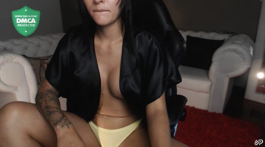 Wwe divas completley naked